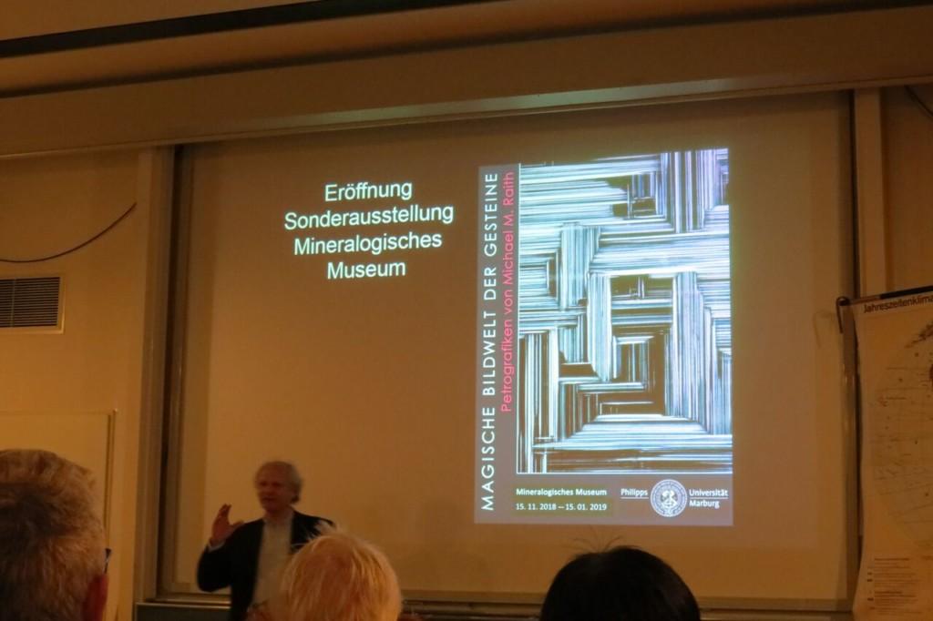 Prof. Masberg führt in den Vortrag ein