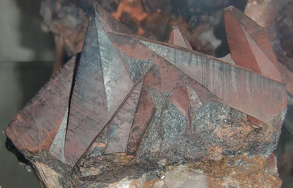 Pseudomorphose Hämatit nach Calcit (Amönau bei Wetter, Landkreis Marburg-Biedenkopf), Naturkundemuseum im Ottoneum, Kassel