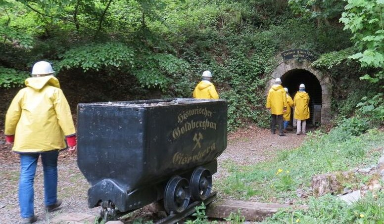 Stollenmundloch des Unteren Tiefen Tal Stollens am Eisenberg
